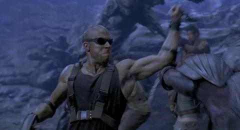 Chronicles of Riddick, The - Riddick v súboji