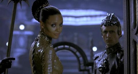 Chronicles of Riddick, The - dáma Vaako