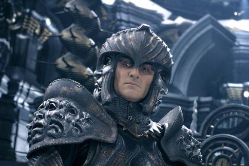 Chronicles of Riddick, The - lord maršál v brnení