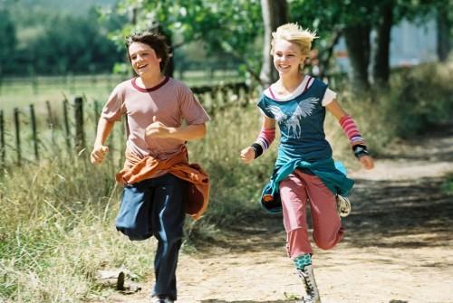 Bridge to Terabithia - Jesse a Leslie bežia