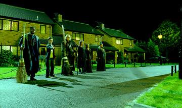 Harry Potter and the Order of Phoenix - 002 - Fénixov rád zachraňuje Harryho