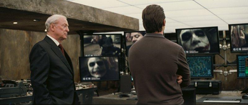 Dark Knight, The - 07 - Bruce a Alfred
