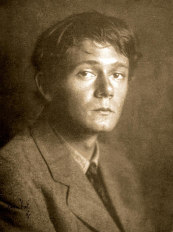 Americký autor science fiction, fantasy a hororu Clark Ashton Smith (1893-1961).